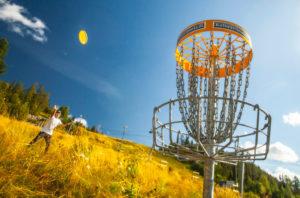 Valitse suosikkisi: melontaa, poroja vai frisbeegolfia?