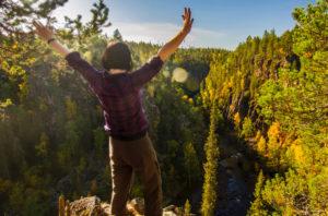 Sallan patikointireittien lisäksi vaeltajien iloina on Oulangan kansallispuisto sekä UKK-reitti.