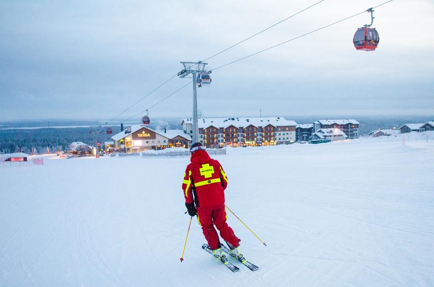 Ski Patrol in Ylläs.