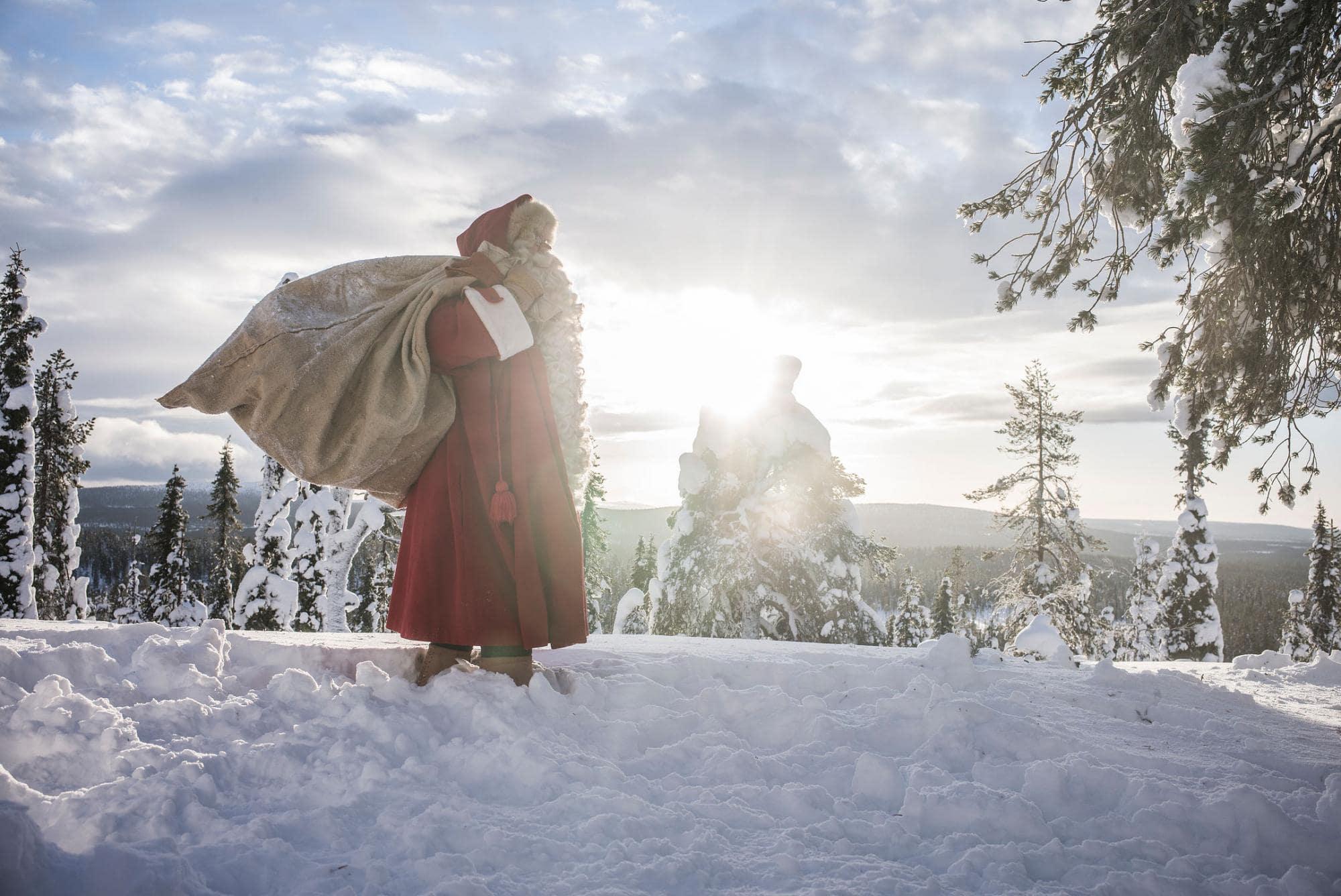 In Finnland kann man seinen Wunschzettel persönlich übergeben. | © Kimmo Syväri / Visit Finland