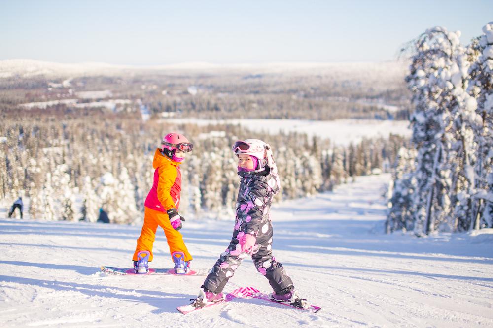 Kinder im Skigebiet Iso-Syöte.