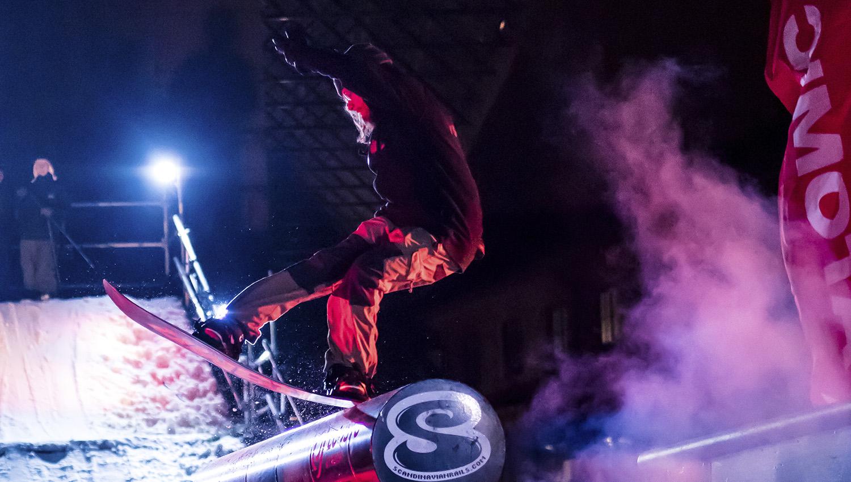 Arctic Weekendin yhteydessä järjestetään myös Lumilautaliiton Suomi Tourin ensimmäinen osakilpailu 2019. Kuva on vuoden 2018 tapahtumasta. Kuva: Simo Vilhunen