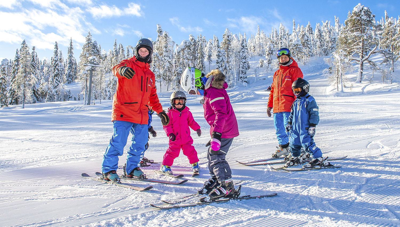 Iso-Syöte tarjoaa kaikille lähialueella asuville ekaluokkalaisille laskettelupäivän tammi-helmikuussa 2020. Päivä alkaa hiihtokoulusta, jonka jälkeen lapset saavat välineet ja hissilipun ilmaiseksi käyttöönsä loppupäivän ajaksi.