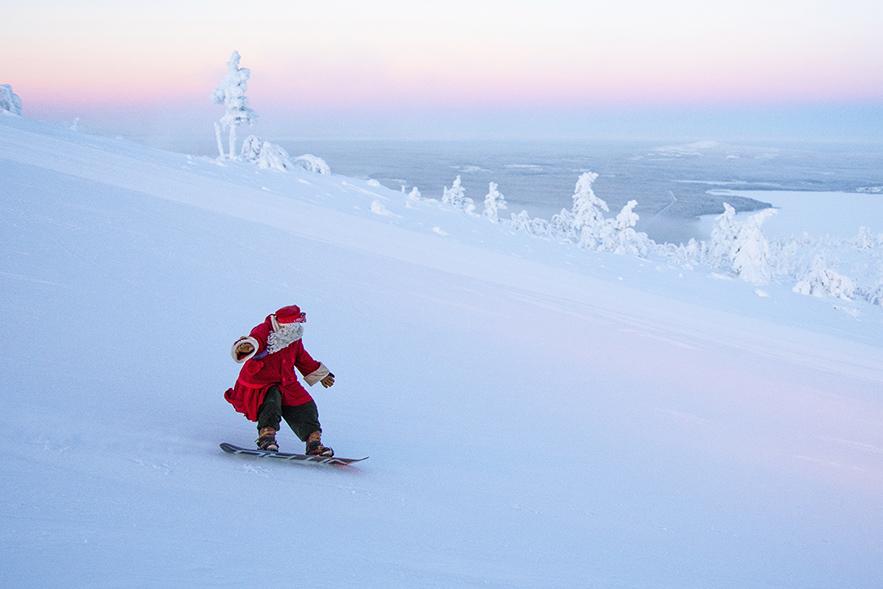 Pukki lämmittelemässä Pyhän rinteillä pitkää retkeä varten juuri ennen vuoden 2018 jouluaattoa.
