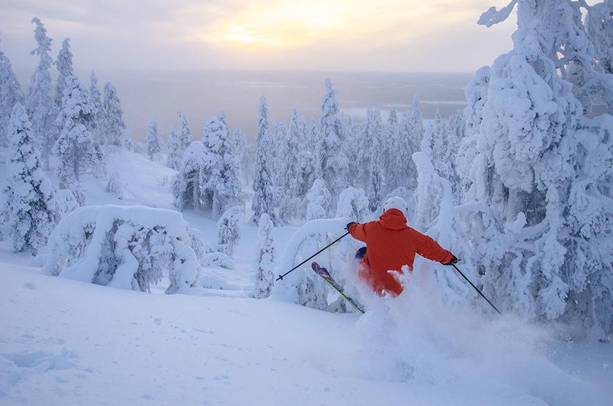 Uutta lunta, upea valaistus ja hienot laskut. Tammikuu on hiihtokuvaajan kulta-aikaa.