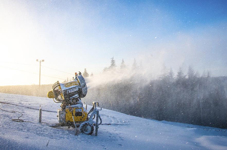 Hiihtokeskusten henkilökunta on ammattitaitoista ja lumetusjärjestelmät tehokkaita, joten lyhyetkin pakkasjaksot saadaan hyödynnettyä.