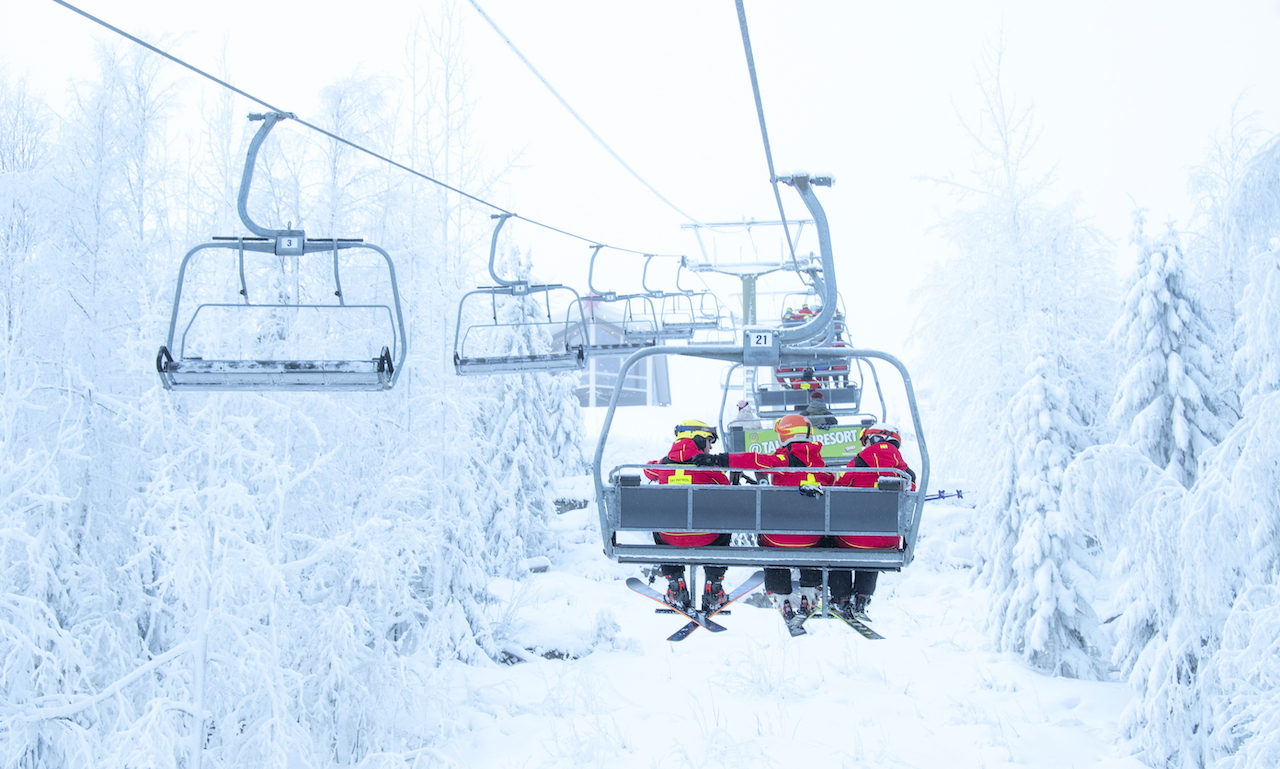 Снег на горнолыжных курортах - Тахко