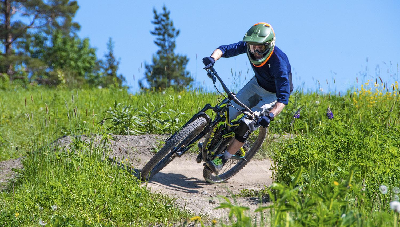 Enduropyörä on monipuolisuutensa ansiosta oiva valinta bike park -ajoon.