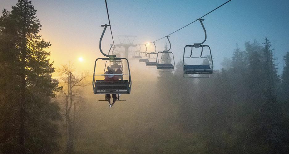 Syksyinen tunturi on täynnä tekemistä. Aamulla voit vaikka lähteä pyöräilemään tai vaeltamaan ja vielä illalla ehdit mäkeen laskettelemaan.