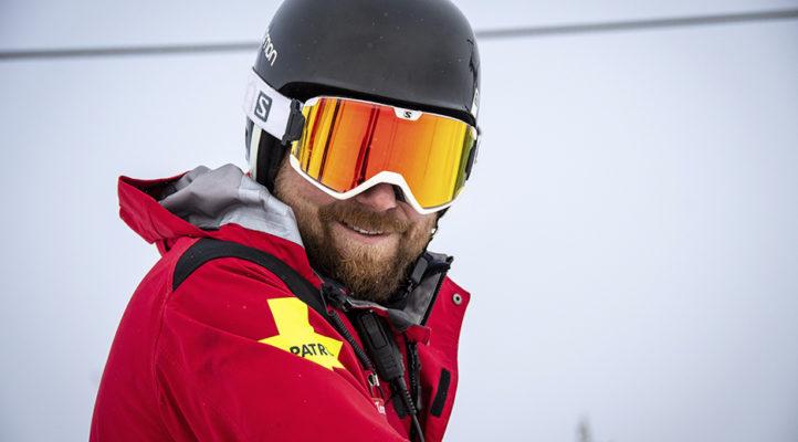Ski patrolit ovat rinneturvallisuuden asiantuntijoina. Teemu Torvinen vastaa Rukan ski patrol -toiminnasta.