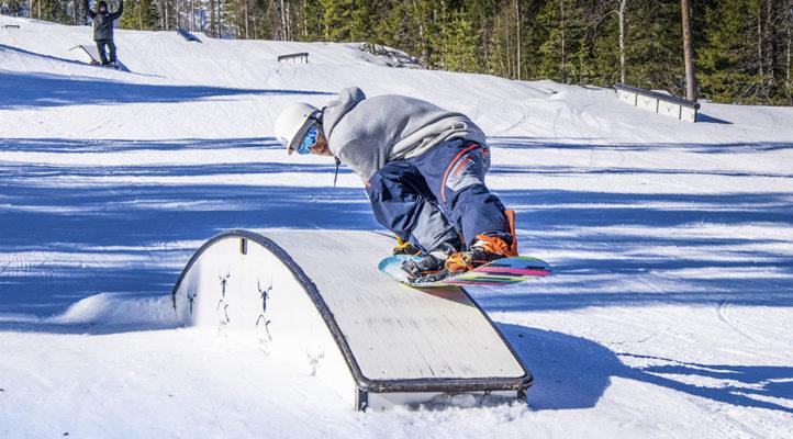 Snow parkin riemut avautuvat myös aikuisille. Aloita vaikka helpoista presseistä ja innostu uudesta!
