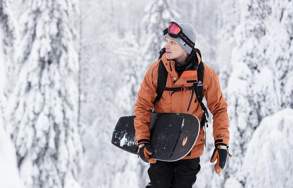 Protect Our Winters Finlandin puheenjohtaja Miikka Hast on myös pitkän linjan lumilautailija. Kuva: Harri Tarvainen