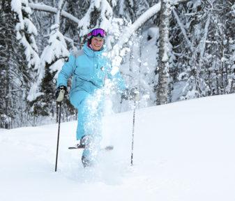 Suomalaisen aikuisen pohjataidot laskettelun oppimiselle ovat yleensä hyvät, kirjoittaa hiihdonopettaja Teija Uurinmäki.