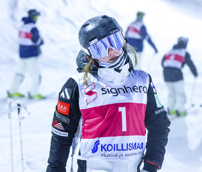 Paluu rinteeseen on ollut onnistunut. Riikka Voutilainen voitti 6.2.2021 Eurooppa-cupin osakilpailun kotirinteessään Taivalvaaralla.