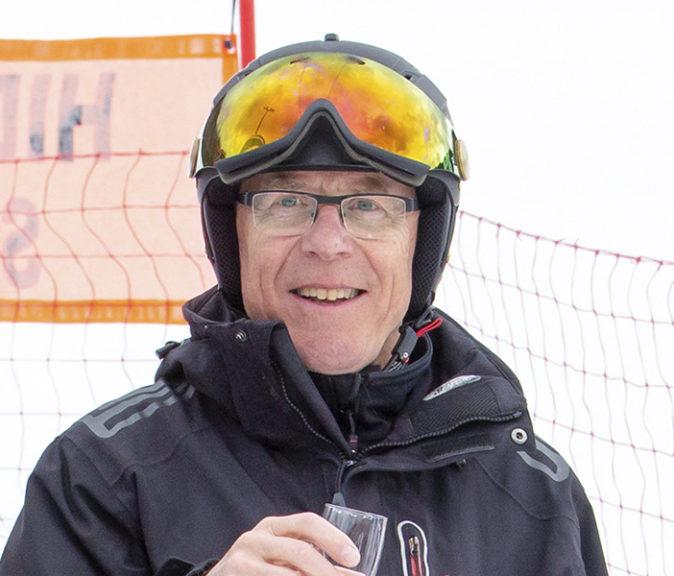 Himoksen perustaja Juhani Ojala on kutsuttu Suomen Hiihtokeskusyhdistyksen kunniajäseneksi. Kuva: Päivi Hasala